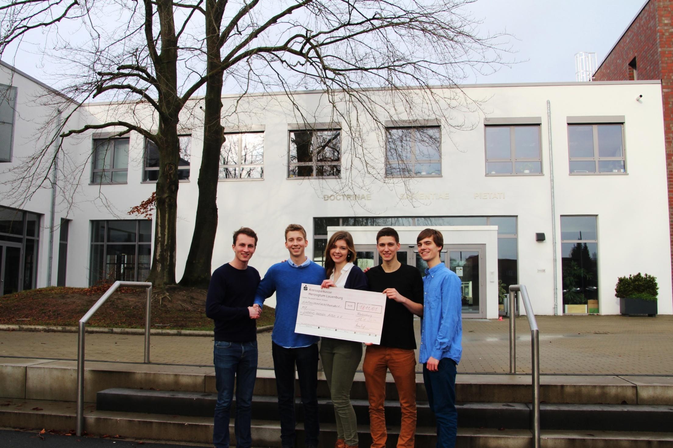 Schülervertretung der Lauenburgischen Gelehrtenschule sammelte 1811 Euro
